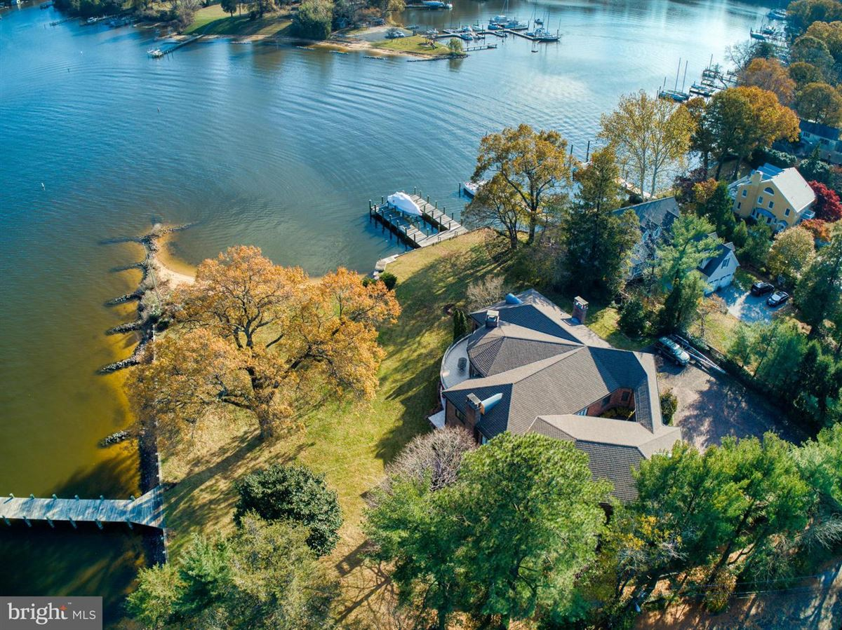 Stunning waterfront on Breezy Point luxury real estate