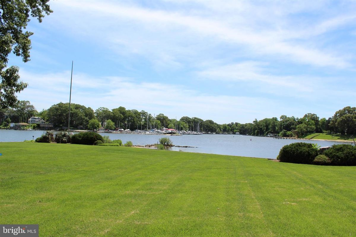 Stunning waterfront on Breezy Point mansions