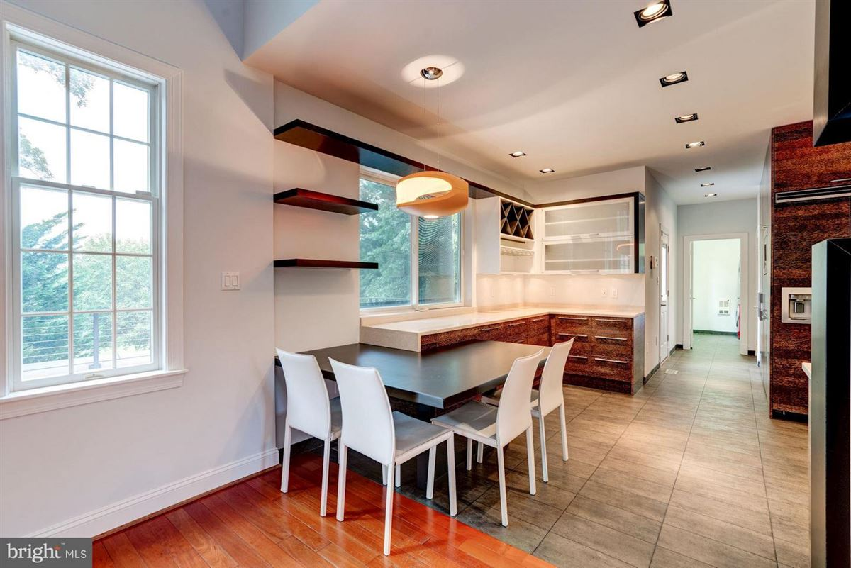 six bedroom at end of cul-de-sac luxury properties