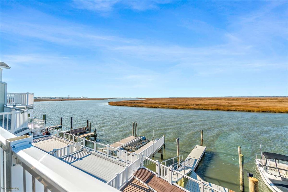 Bayfront townhouse opportunity luxury homes