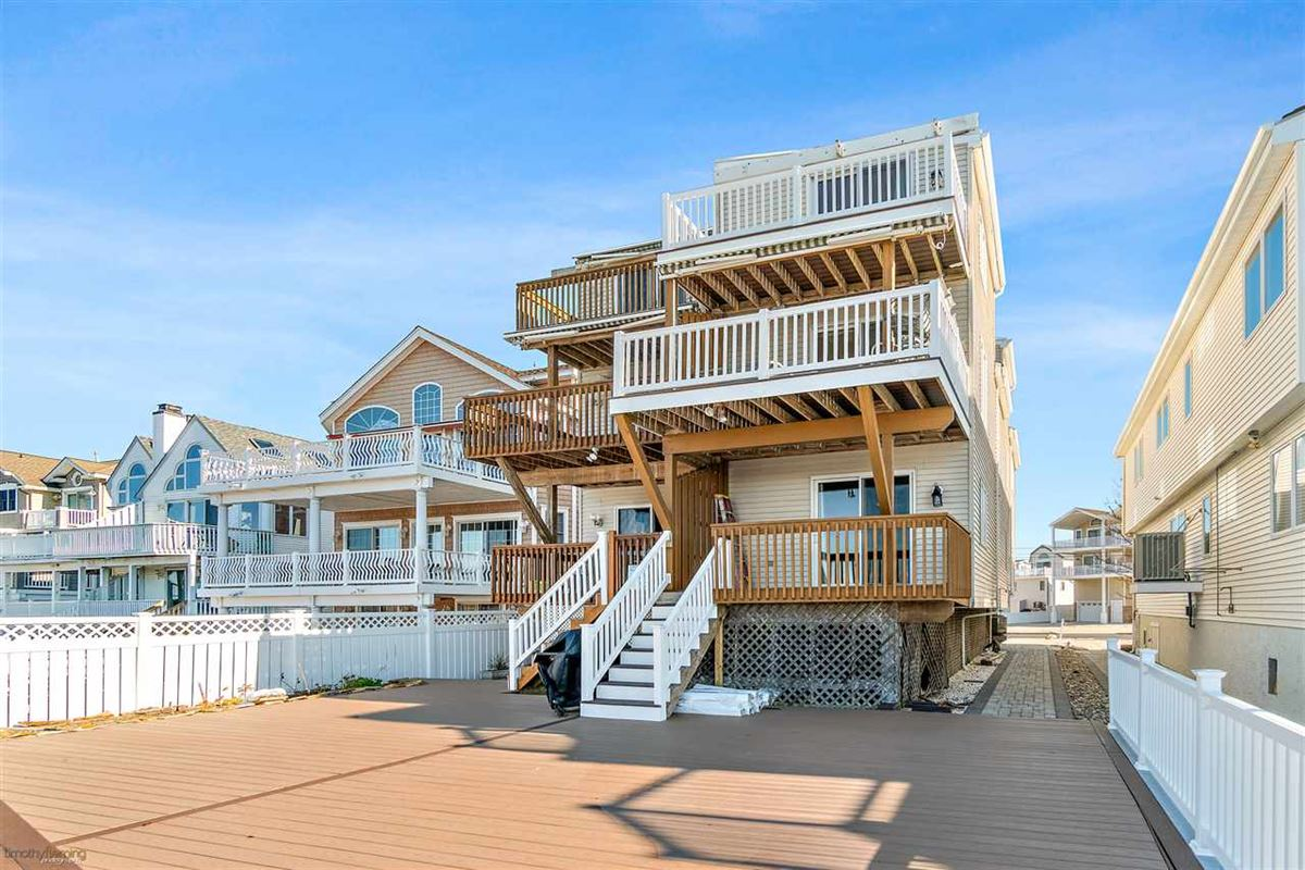 Luxury properties Bayfront townhouse opportunity