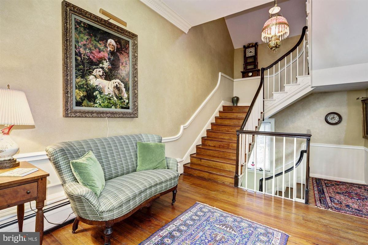 historic Hickory Ridge mansions
