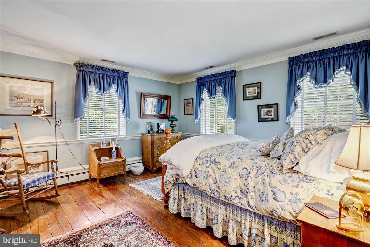 Luxury homes historic Hickory Ridge