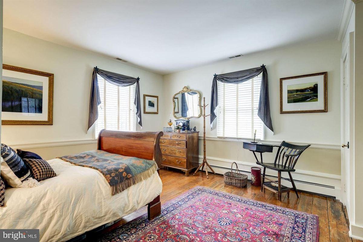 Luxury real estate historic Hickory Ridge