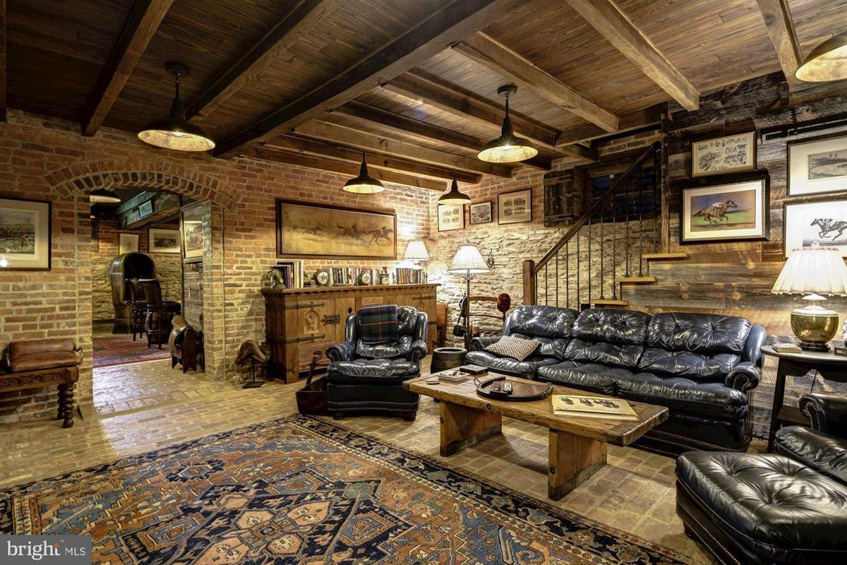 Luxury properties historic Hickory Ridge