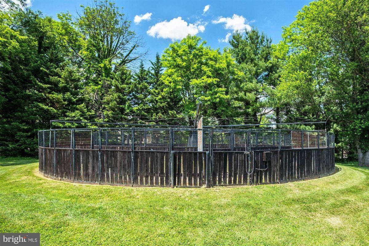 Historic Hickory Ridge luxury properties