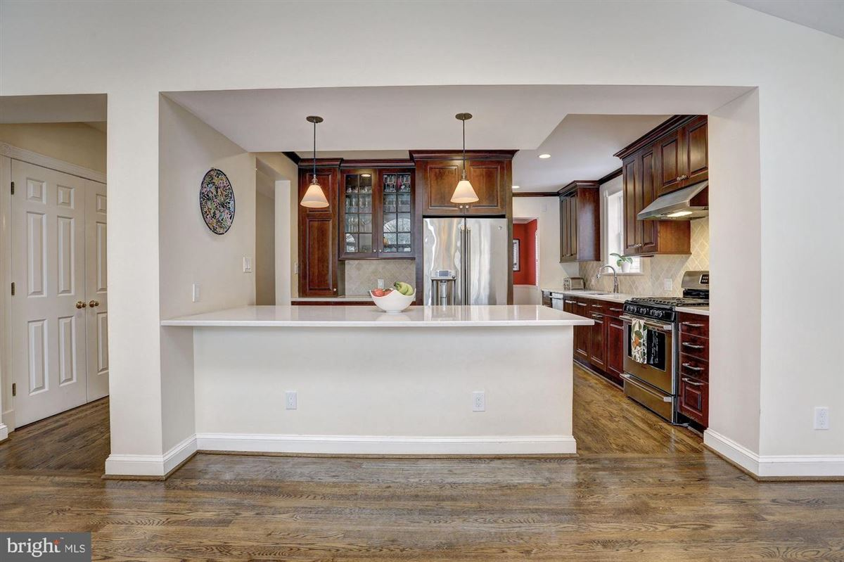 beautiful center hall colonial in Somerset mansions