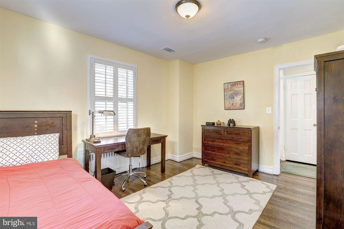 Mansions in beautiful center hall colonial in Somerset