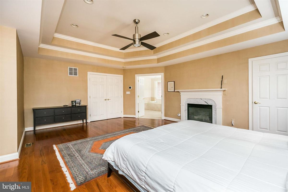 Gorgeous center hall Colonial home luxury real estate