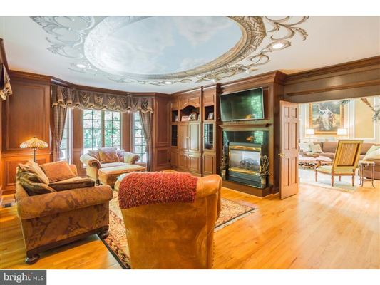 unique home in private Cobblestone Court luxury homes