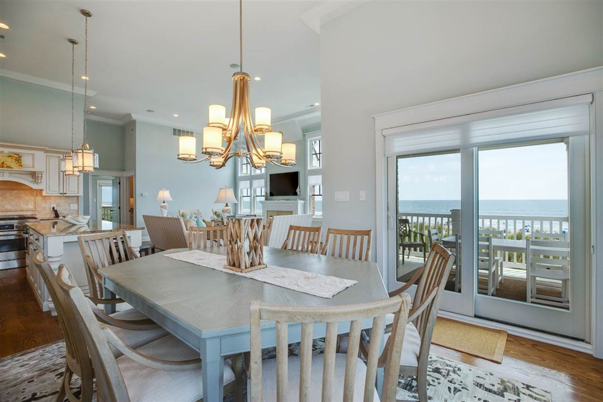 Luxury homes in magnificent ocean front property