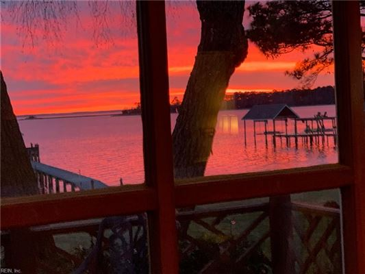 Outstanding custom built James River waterfront home luxury properties