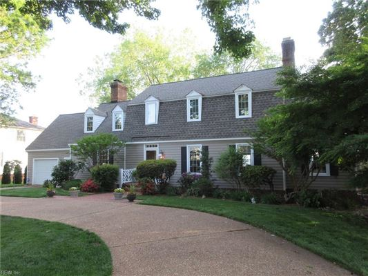 Luxury homes in Outstanding custom built James River waterfront home
