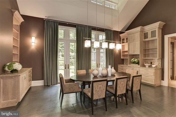 Luxury homes in distinctive home in Caves Valley Golf Club