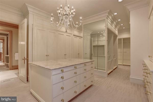 Luxury homes distinctive home in Caves Valley Golf Club