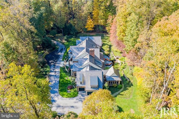 Mansions distinctive home in Caves Valley Golf Club
