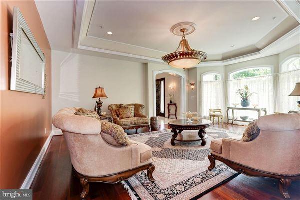 spectacular corner lot estate luxury homes