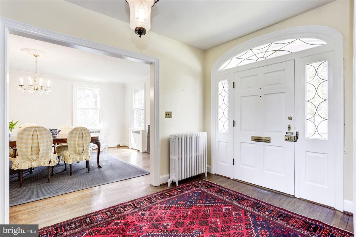 Luxury properties exemplary Georgian Colonial