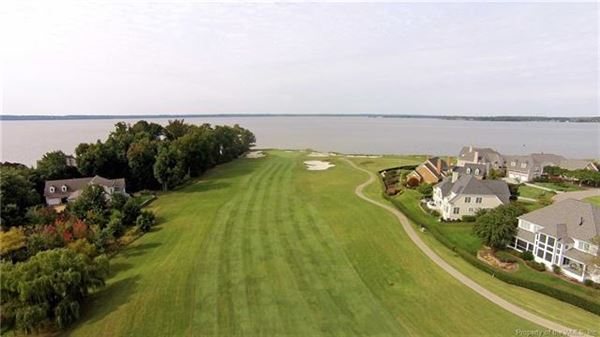 Mansions in incredible home with idyllic vistas on golf course