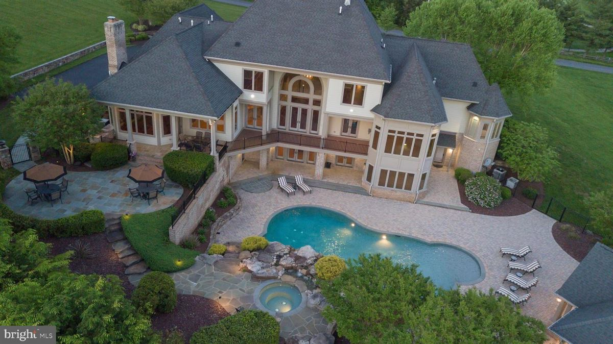 Luxury homes meticulous custom home on five acres