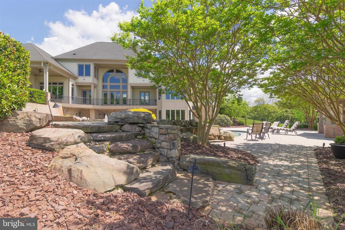 meticulous custom home on five acres mansions