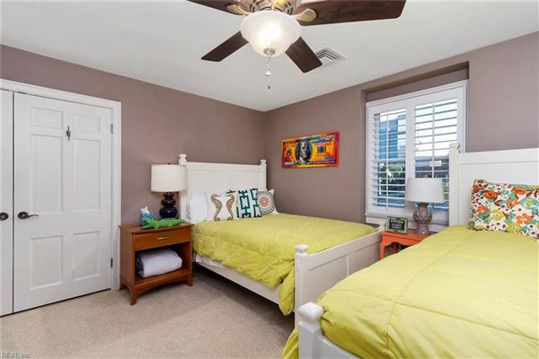 immaculate, comforting single family home luxury real estate