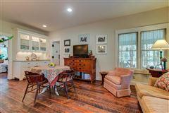Luxury homes NIDO - 122-acre rural retreat