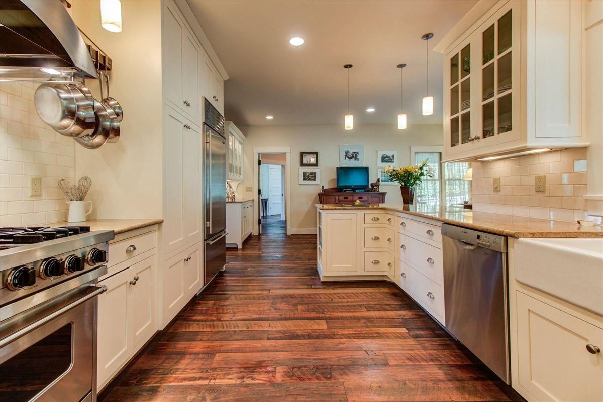 NIDO - 122-acre rural retreat luxury homes