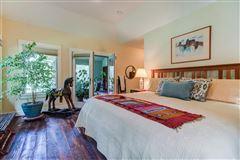 Mansions NIDO - 122-acre rural retreat