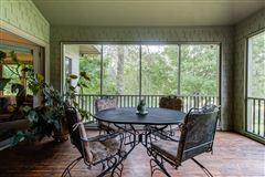NIDO - 122-acre rural retreat mansions