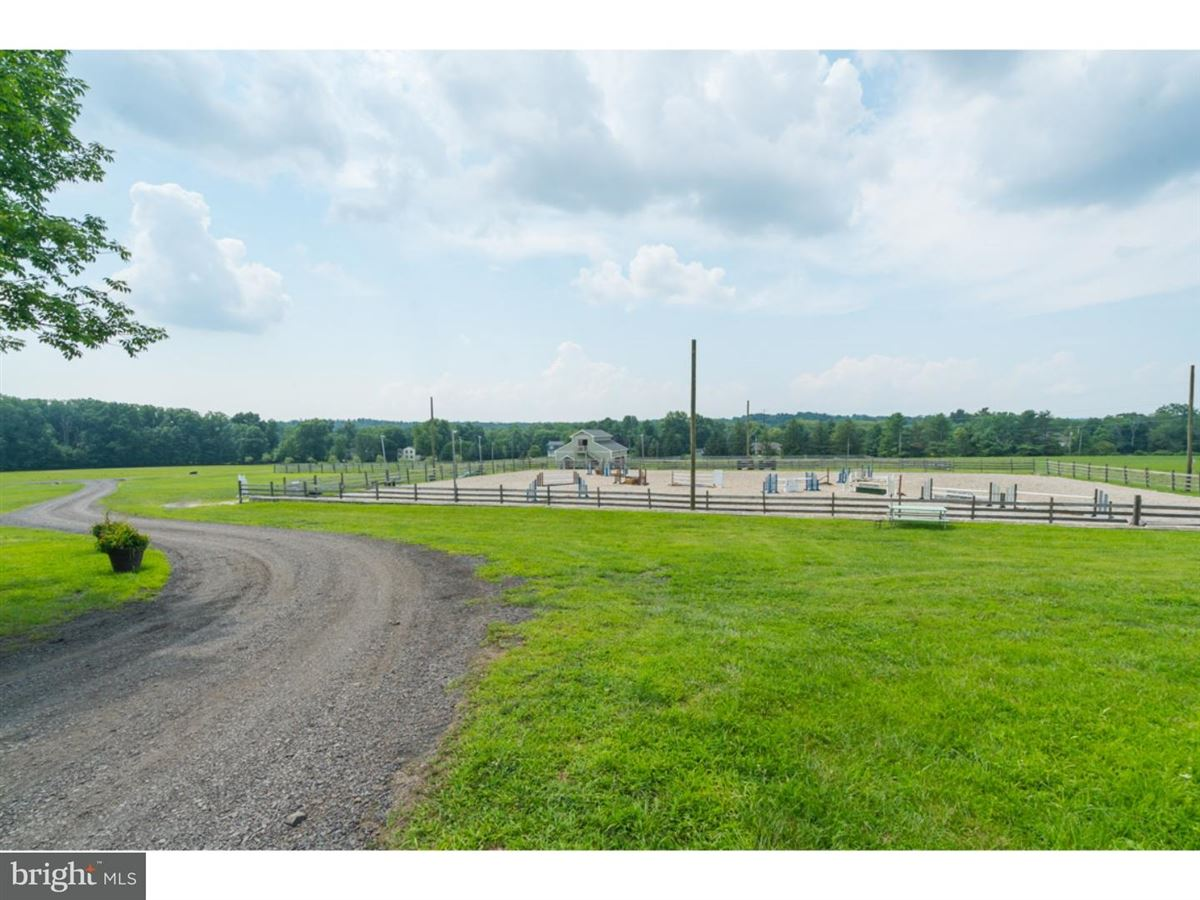 Luxury real estate Magnificent equestrian estate situated on over 100 acres