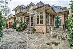 Luxury homes a spectacular custom home in Edgemoor