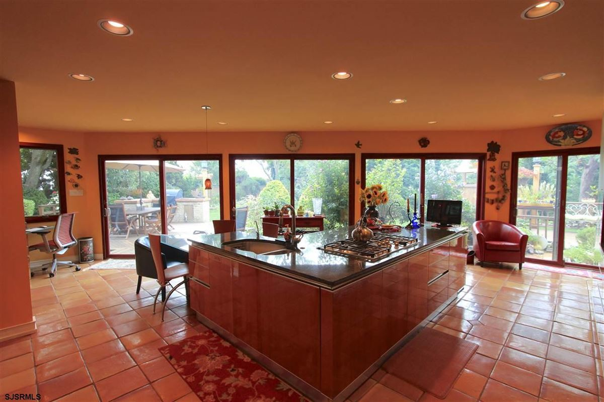 Luxury homes in luxury beach estate