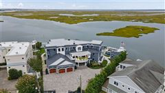 Luxury properties Spectacular and Unique Bayfront compound