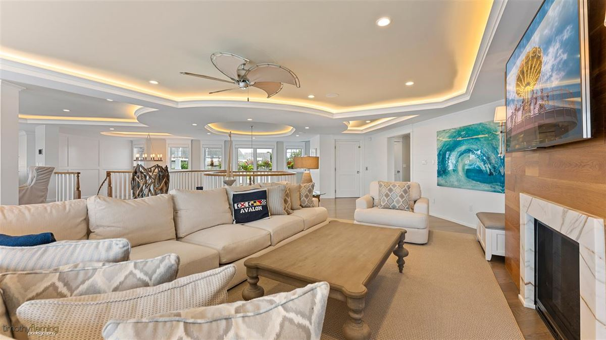 Mansions in Spectacular and Unique Bayfront compound