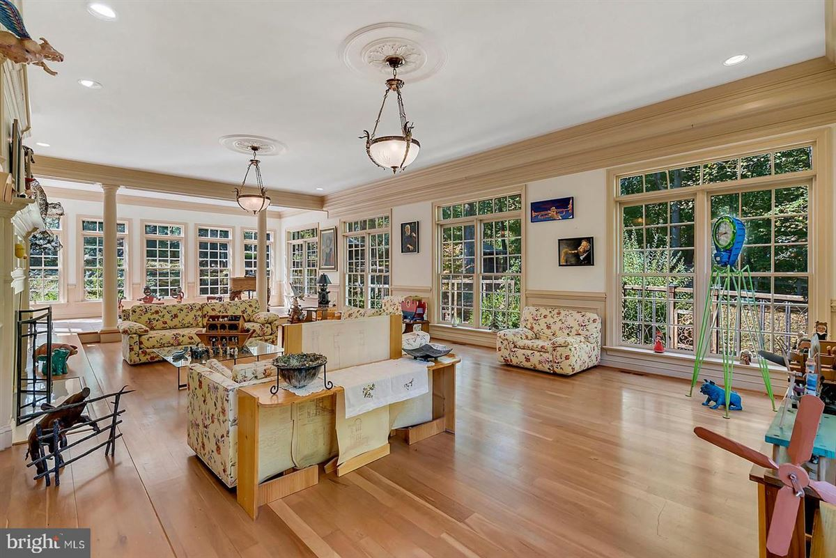 Luxury properties three level colonial home