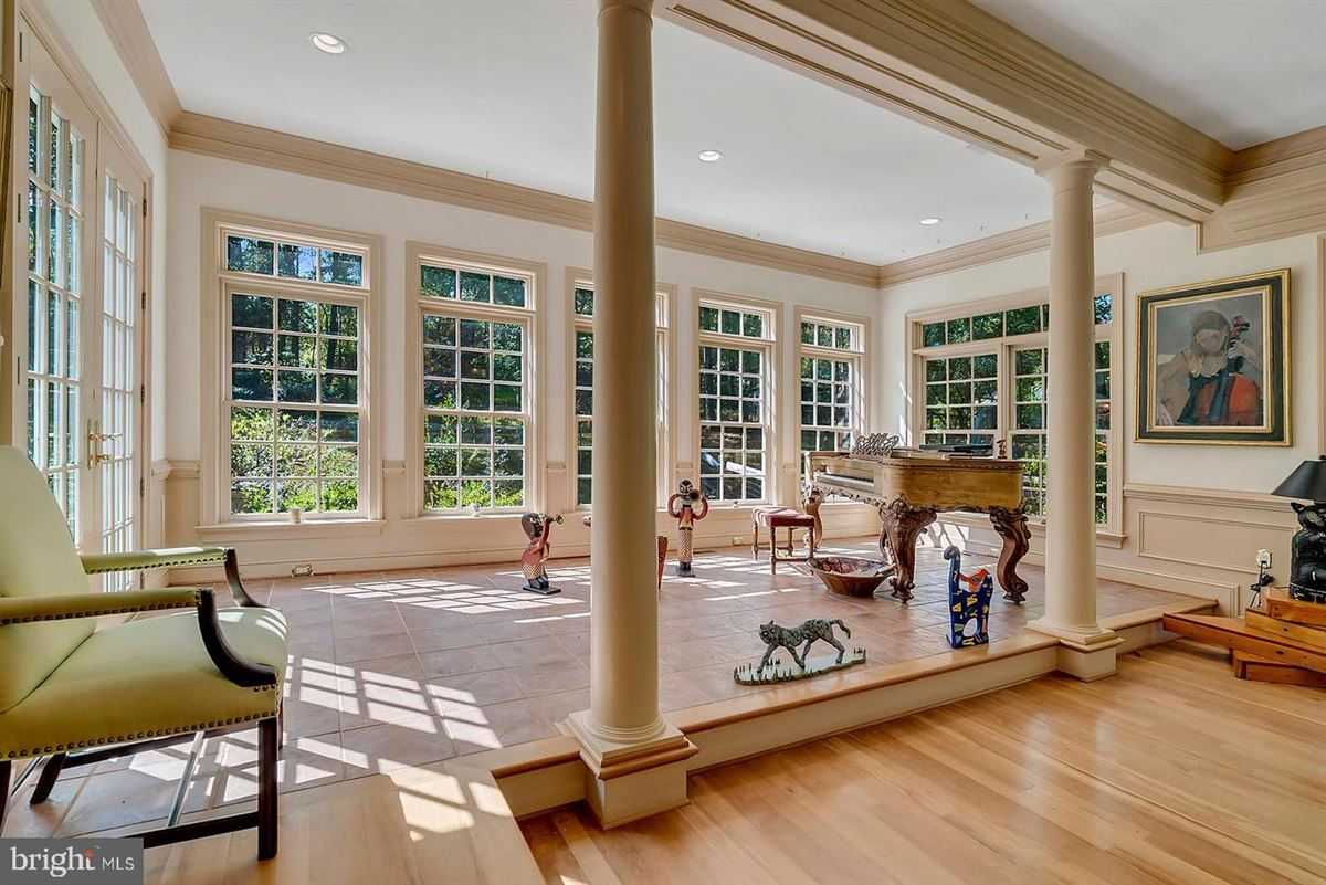 Mansions three level colonial home