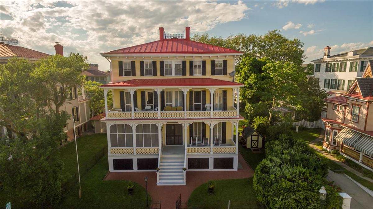 the Joseph Evans Cottage luxury properties