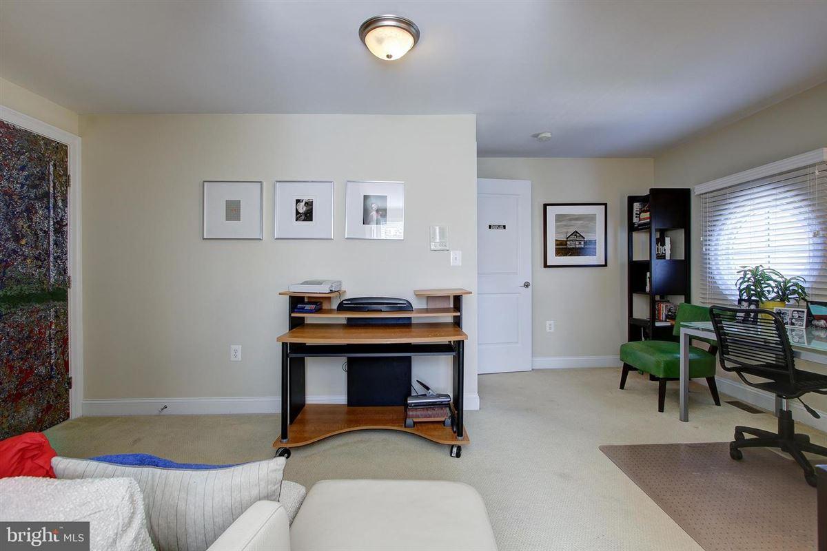 Luxury homes in one of Bethesdas premiere neighborhoods