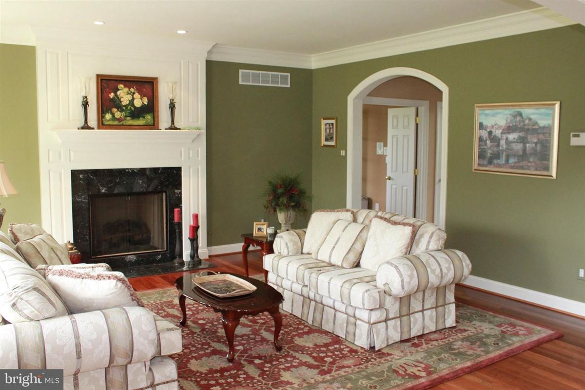 Luxury homes fantastic executive home