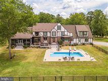 Home Port Manor luxury homes