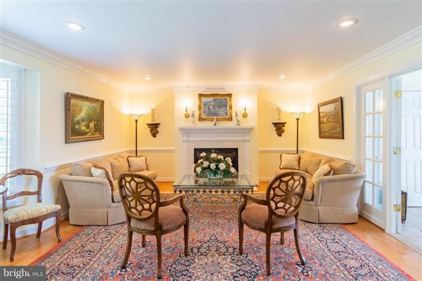 Luxury real estate Home Port Manor