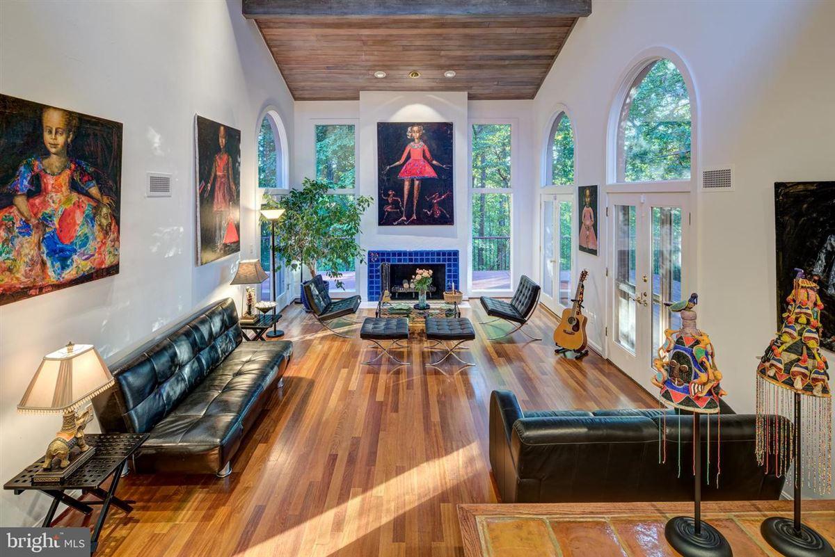 Mansions spectacular secluded hilltop estate