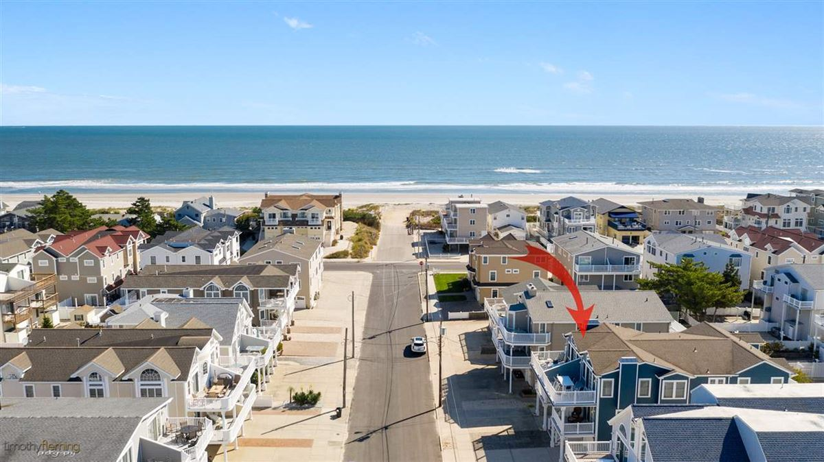 Pristine beach block opportunity luxury homes