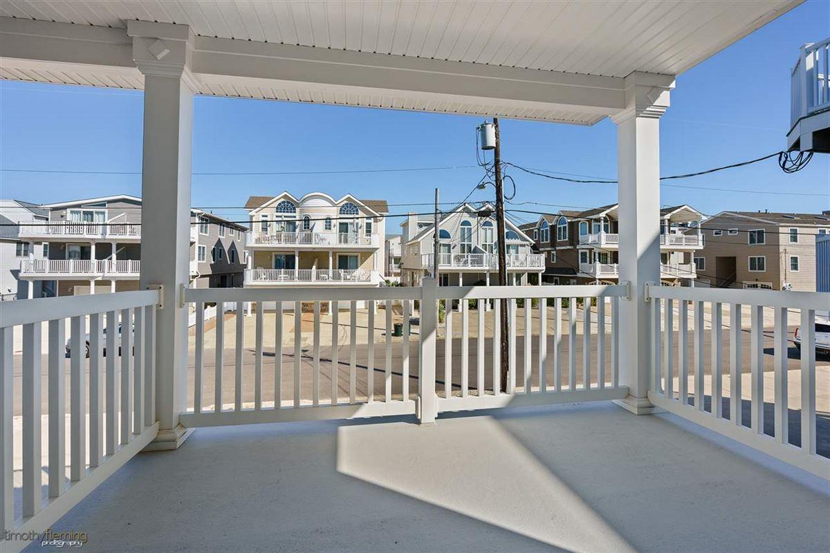 Luxury homes Pristine beach block opportunity