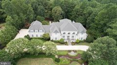 Luxury properties Beautiful custom home with attention to detail
