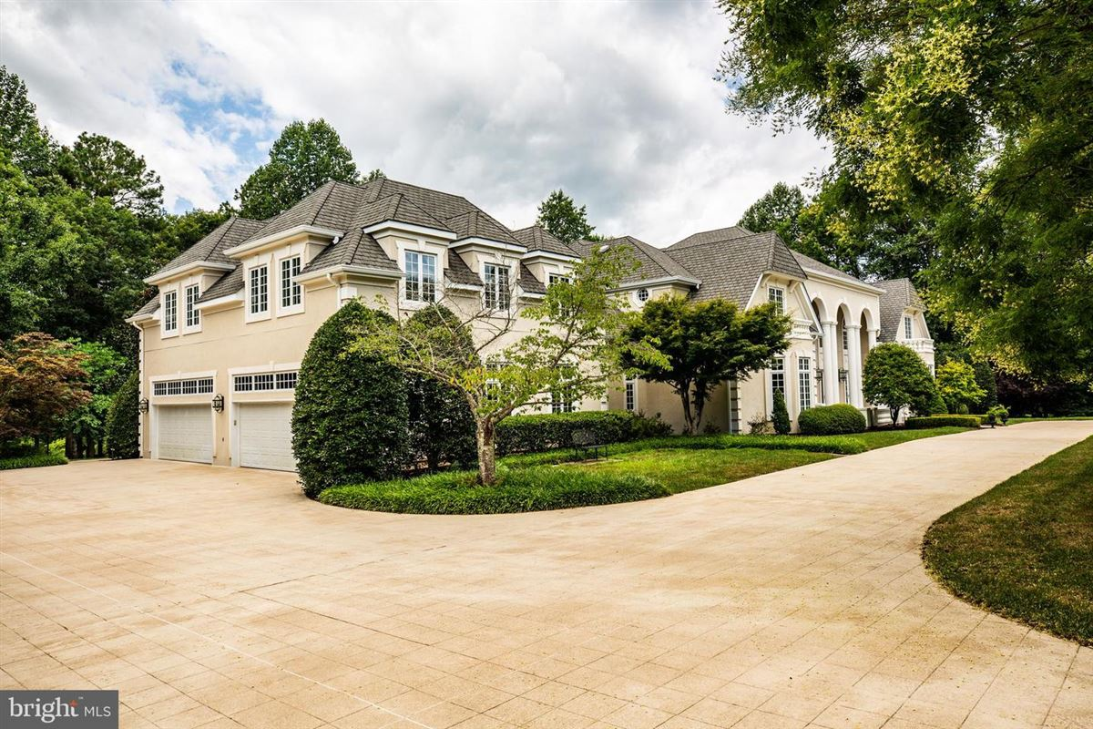 Luxury homes in Beautiful custom home with attention to detail