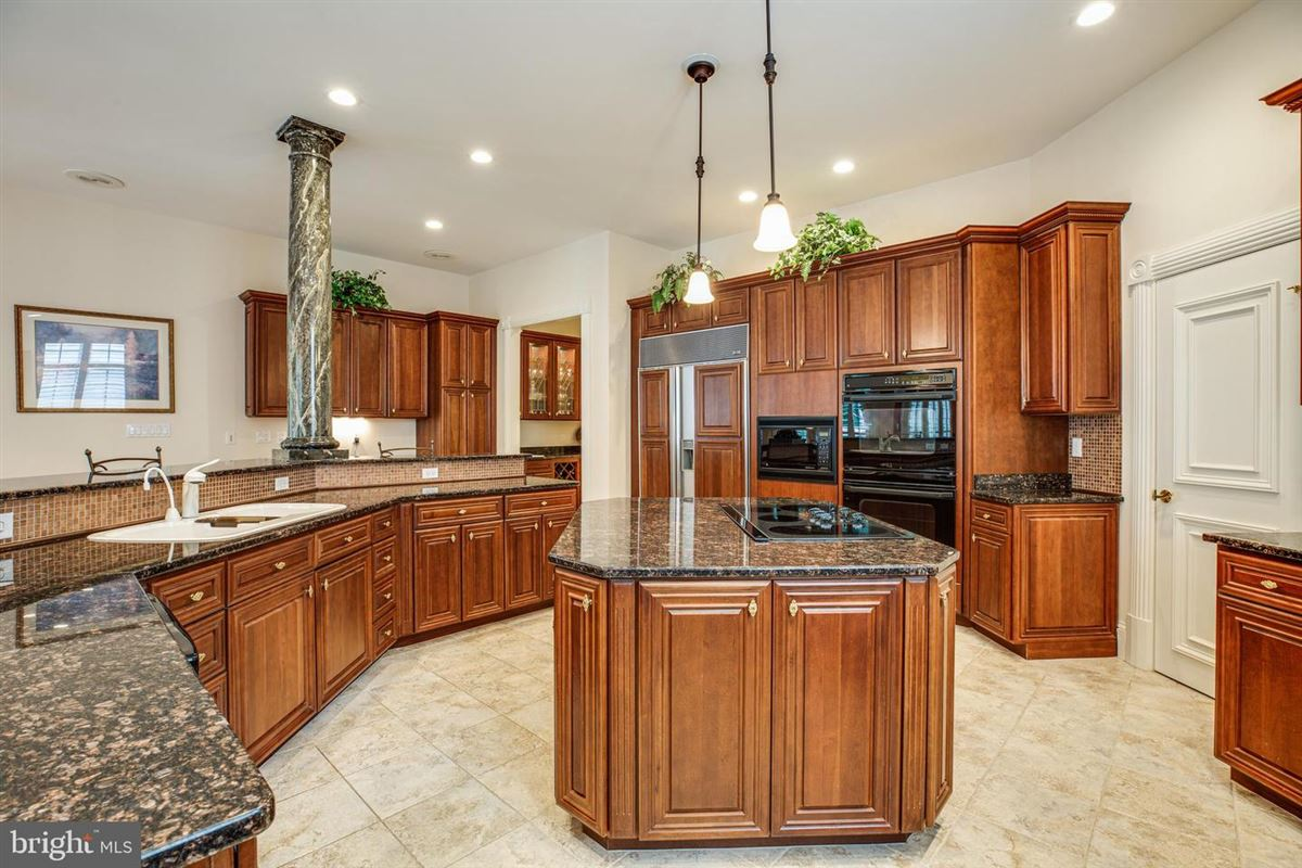 Beautiful custom home with attention to detail luxury properties
