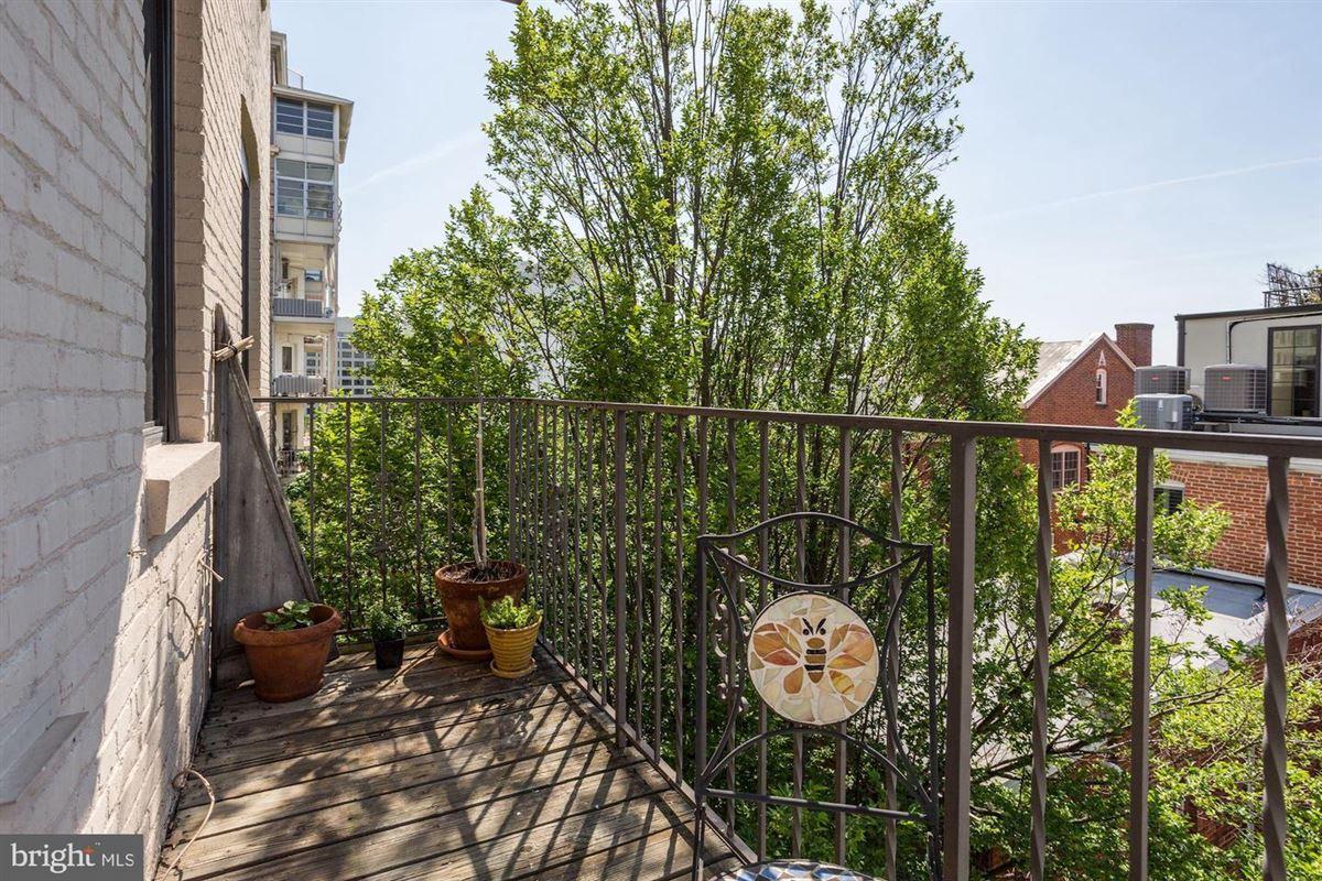 Mansions coveted apartment in prestigious Kalorama