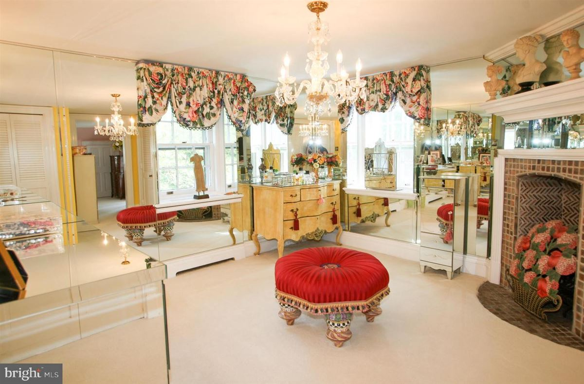 Luxury homes in gracious home